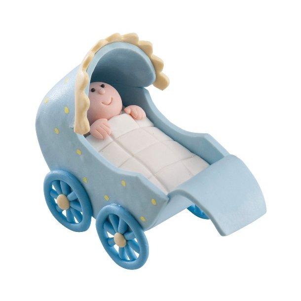 Baby dreng i barnevogn