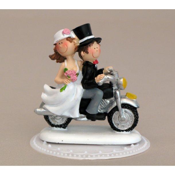Brudepar på motorcykel