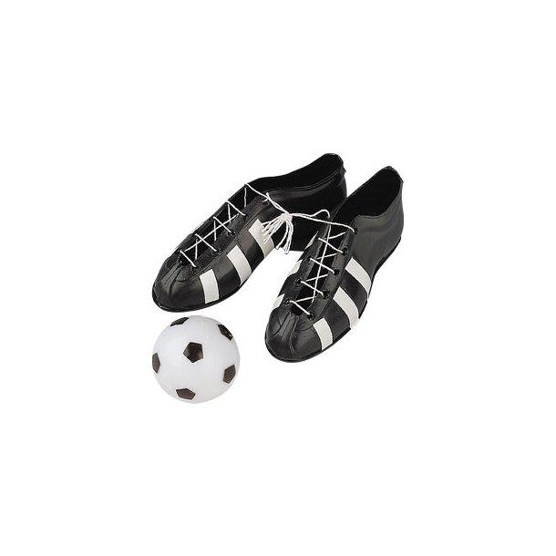 Fodboldstøvler og bold
